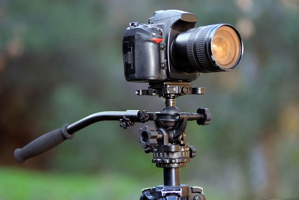 Hybrid photo/video camera heads